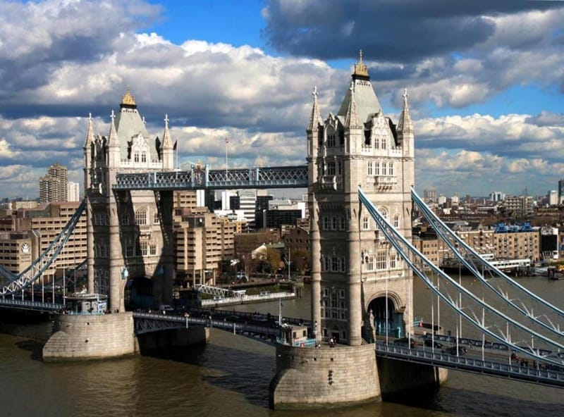 London's Tower Bridge - The Good Schools Guide